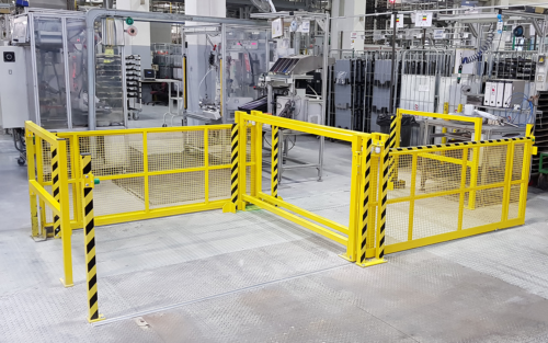 Manually operated safety gate system